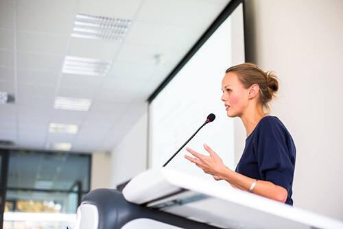 5 claves para hablar correctamente en público.