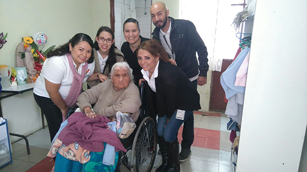 Visita asilo de ancianos en Guadalajara, Jal.